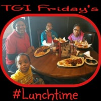 Photo taken at TGI Fridays by Donnell H. on 12/27/2014
