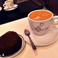 Photo taken at Café Tabaco by Georghia B. on 5/28/2014