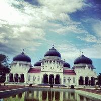 Photo taken at Masjid Raya Baiturrahman by Desy A. on 11/22/2012