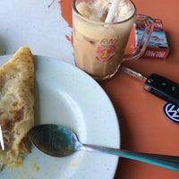 Photo taken at Restoran Nawas Maju by Nik Mohd Z. on 3/13/2016