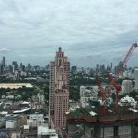 Photo taken at Sukhumvit Park, Bangkok - Marriott Executive Apartments by Rene W. on 9/5/2016