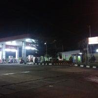 Photo taken at SPBU Jatiuwung by Arya R. on 5/10/2013