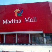 Photo taken at Madina Mall مدينة مول by Errolmot I. on 10/13/2012