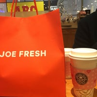 Photo taken at The Coffee Bean & Tea Leaf by In-young L. on 2/7/2016
