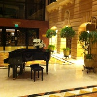 Photo taken at Hotel Intercontinental by Willy E. on 5/6/2013
