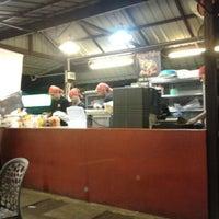 Photo taken at Burger Bakar Abang Burn by Luiyz I. on 12/15/2012