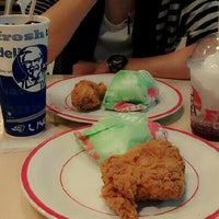 Photo taken at KFC by Leezha F. on 5/26/2013