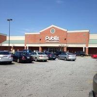 Photo taken at Publix by Lawrence W. on 3/9/2014