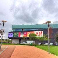 Photo taken at Zielo Shopping by Luis d. on 5/7/2016