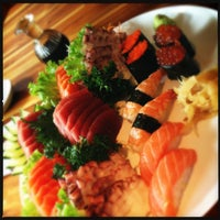 Photo taken at Sushi Papaia by Ygor F. on 3/9/2013