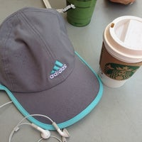 Photo taken at Starbucks by Caótica A. on 6/19/2013