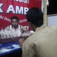 Photo taken at Pecel Madiun Pak Ambon by Bebeck T. on 12/2/2013