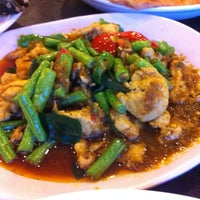 Photo taken at Sara Thai Kitchen by Scarlett T. on 11/28/2012