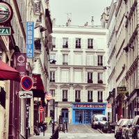 Photo taken at Montmartre by Joel G. on 7/29/2014