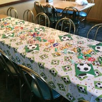 Photo taken at Round Table Pizza by Berit E. on 10/25/2014