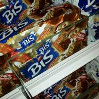 Photo taken at Lojas Americanas by Rafa P. on 10/30/2012