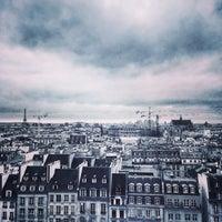 Photo taken at Bibliothèque Kandinsky by Artem D. on 1/6/2014