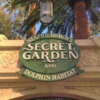 Siegfried Roy 39 S Secret Garden And Dolphin Habitat The Strip Las Vegas Nv