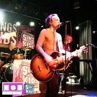 Photo taken at Smith's Olde Bar by MixtapeAtlanta on 5/19/2013