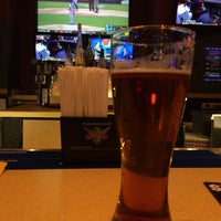 Photo taken at Buffalo Wild Wings by Aymé G. on 4/6/2015