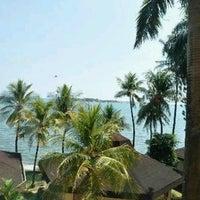 Photo taken at Makassar Golden Hotel (MGH) by Gleen J. on 2/1/2017