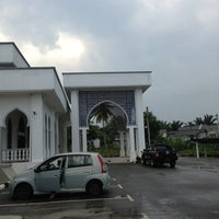 Photo taken at Masjid Kerteh 3 by Fakrin on 7/25/2013