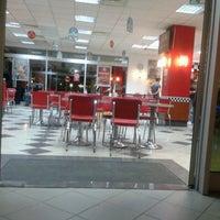 Photo taken at Burger King by nurdan D. on 7/8/2013