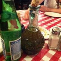 Photo taken at Italianni's Pasta, Pizza & Vino by Yaotzin V. on 8/19/2011