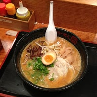 Photo taken at Terakawa Ramen by Tokuyuki K. on 9/28/2012