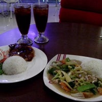 Photo taken at Solaria by Billy W. on 6/13/2013