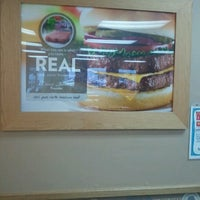 Photo taken at Wendy's by Reece on 11/27/2012