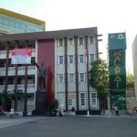Photo taken at Universitas Bung Karno by Mahendra Y. on 9/18/2015