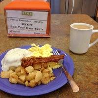Photo taken at Roadrunner Café by Weston Y. on 9/11/2013
