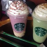 Photo taken at Starbucks by ARTTER on 5/24/2016