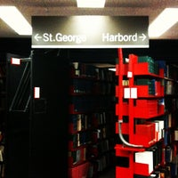 Photo taken at Robarts Library by Alteralec on 11/4/2012