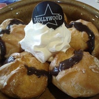 Photo taken at Foster's Hollywood by Francisco José R. on 9/19/2012