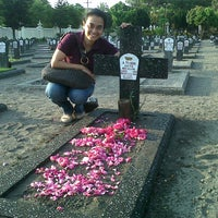 Photo taken at Taman Makam Pahlawan Kusuma Negara by rieska a. on 9/14/2012