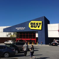 Photo taken at Best Buy by Daniel F. on 2/16/2013