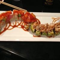 Photo taken at Hana Japanese Restaurant by Roberto R. on 12/22/2012