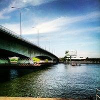 Photo taken at ท่าเรือพระราม 7 (Rama 7 Pier) N24 by NEWZQX T. on 5/5/2013