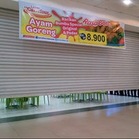 Photo taken at Carrefour by Nila N. on 3/31/2013