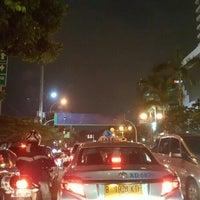 Photo taken at Jalan K.H. Wahid Hasyim by クリスティン c. on 7/25/2016