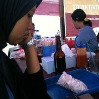 Photo taken at Bakmi Aseng by putri p. on 2/16/2013