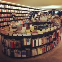 Photo taken at Livraria da Vila by Lica R. on 10/5/2012