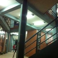 Photo taken at Udabol - Universidade de Aquino de Bolívia by Eveline R. on 3/27/2013