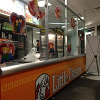 Photo taken at Little Caesars by Leo A. on 2/23/2013