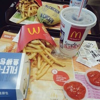 Photo taken at McDonald's by angeltohhuiting on 11/30/2014