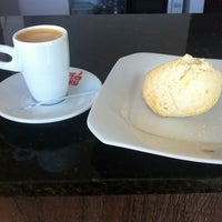 Photo taken at Café de Minas by Espaço Bella on 12/5/2012