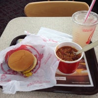 Photo taken at Wendy's by Javier V. on 10/11/2013