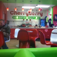 Photo taken at CherryBerry Yogurt Bar by ZenDaddy on 1/27/2013